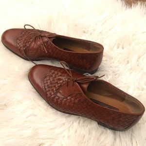 Women's Leather oxford lace up dress shoes